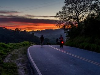 Cyklisti a běžci