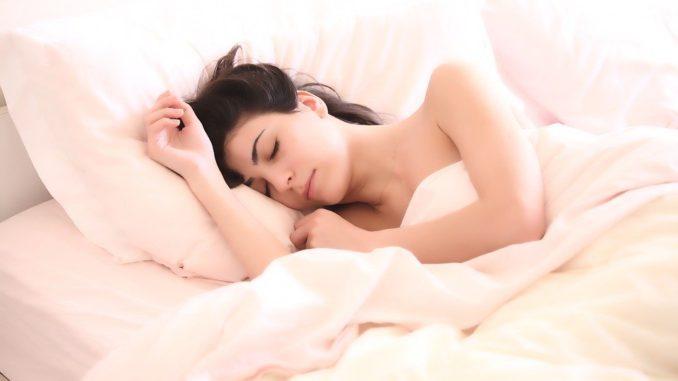 Jaké potraviny mohou narušit spánek člověka?