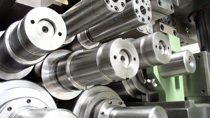 Italská ocel chybí. Strojírenské firmy mají zakázky v ohrožení